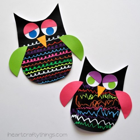 Owl Crafts for Kids. Click to see over 20 adorable and easy owl crafts for teachers. These will make a great back to school gift or activity! #backtoschool #owlcraftsforkids #owls #freeprintable #classroom #teachers