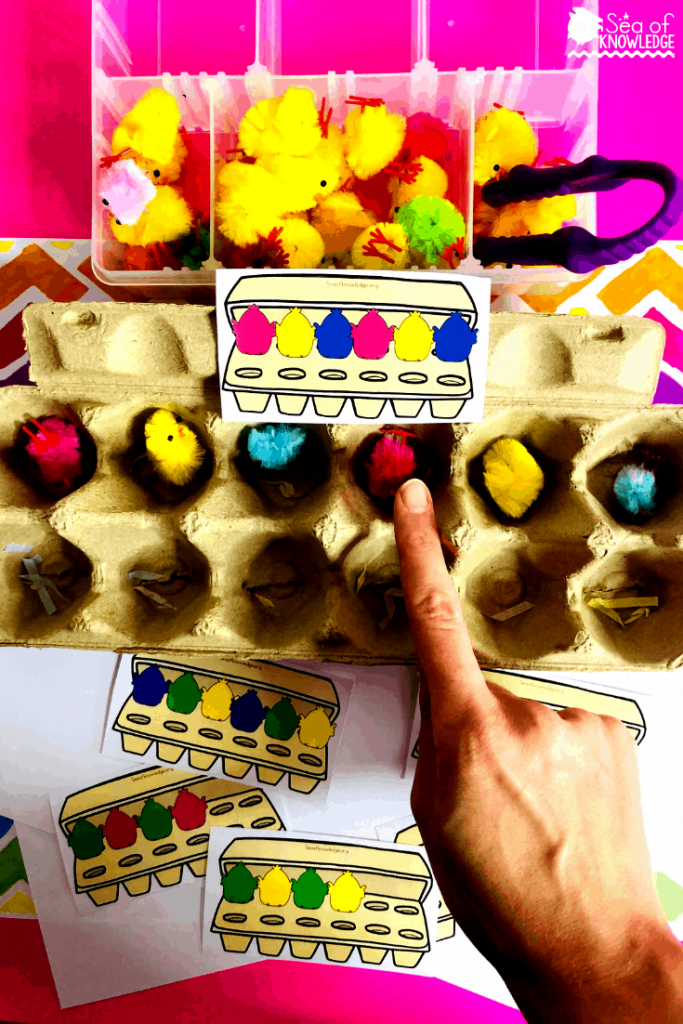 Fantastic Fine Motor Easter Centers for Preschoolers. These colour pattern task cards will be a hit with your kids! Grab some empty egg cartons, some colourful chicks. I bought mine from Baker Ross, but you can find the same ones here on Amazon. Kids will identify the pattern on the card and follow it by recreating the pattern with coloured chicks into the egg carton. How much fun is that? You could even have the kids use tongs to pick up the chicks for added fine motor practice. #preschoolteachers #homeschoolteachers